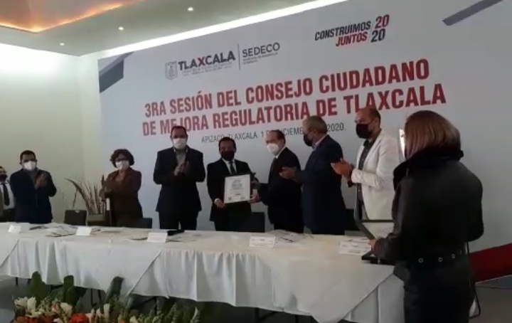 Recibe Yauhquemehcan certificado para apertura rápida de empresas