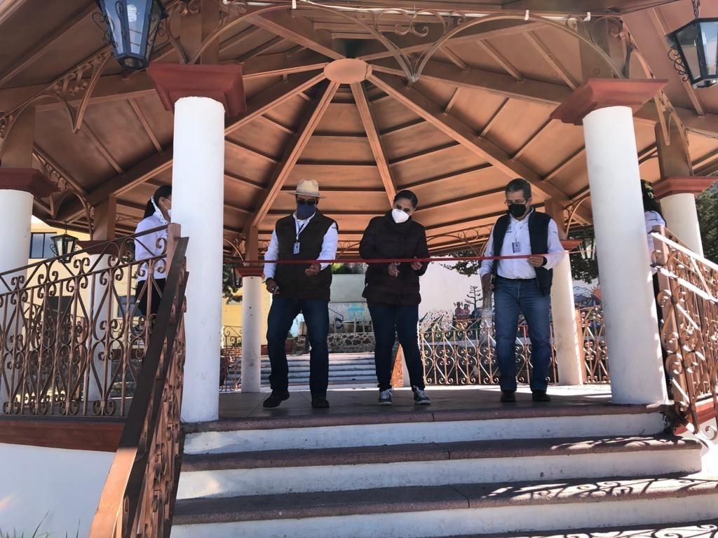 Se inauguró el quiosco y la cancha de frontón en El Rosario Tlaxco con recursos etiquetados por Michaelle Brito