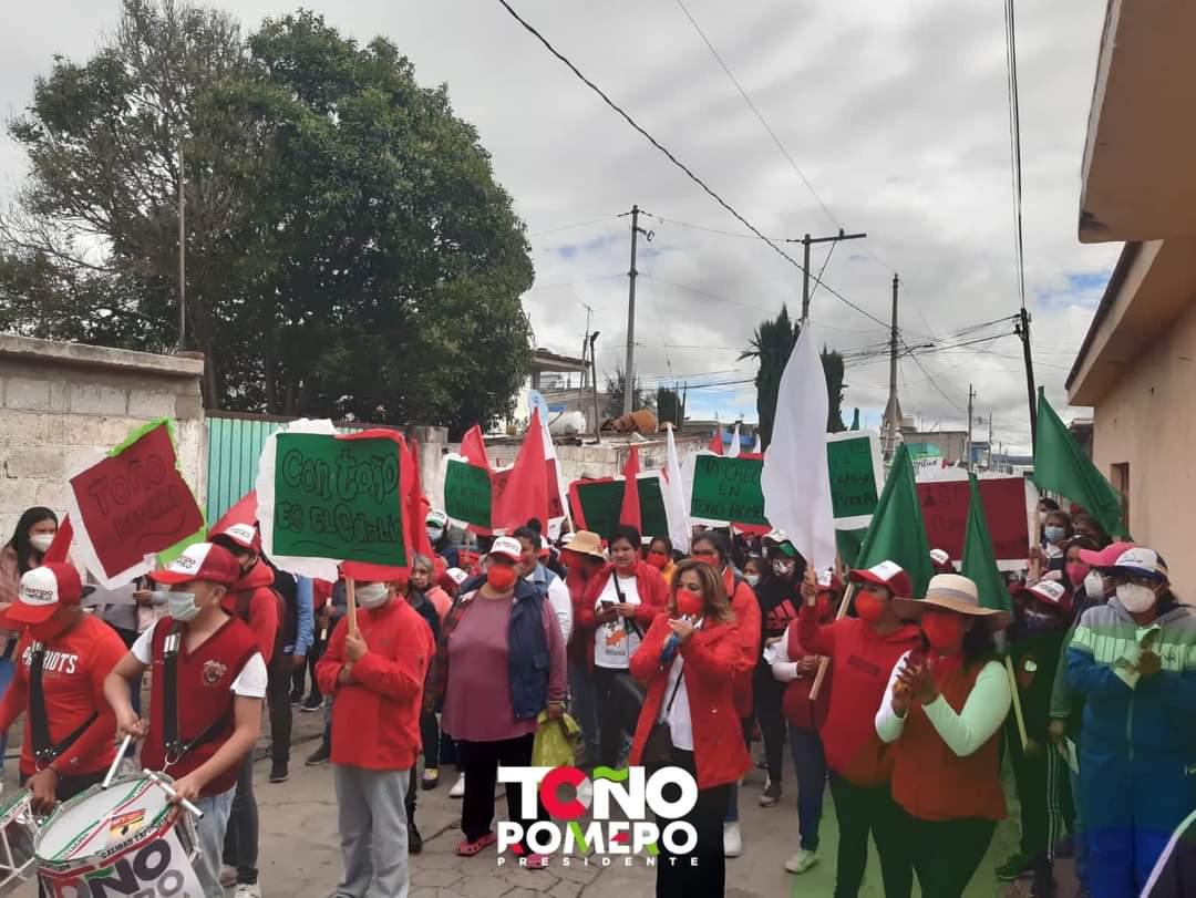 TOÑO ROMERO recorre el barrio de San Antonio y Alta Luz para presentar sus propuestas