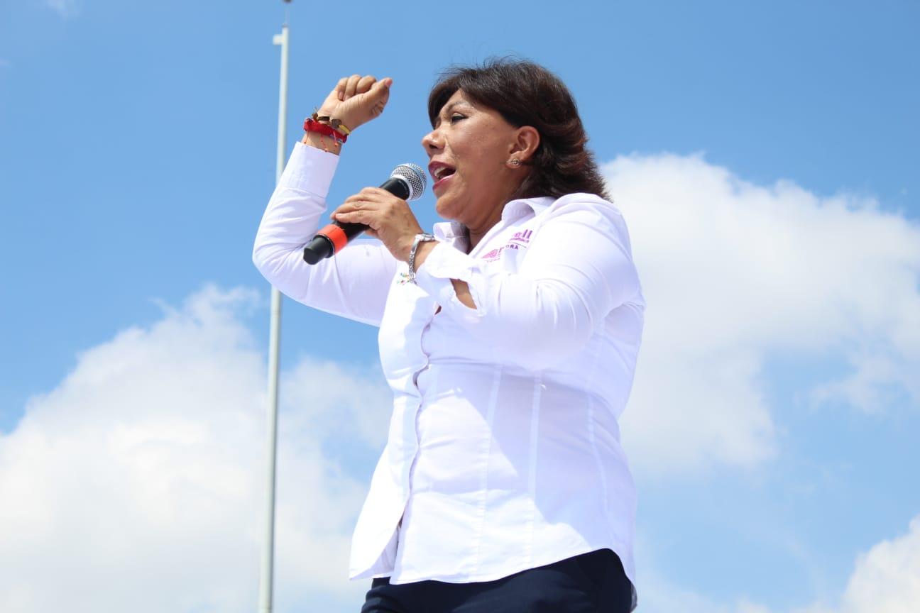 Anabell Ávalos cierra campaña entre una multitud de simpatizantes; se adhiere Evangelina Paredes a su proyecto