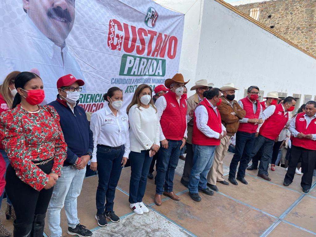 Gustavo Parada concluye actividades proselitistas con el apoyo de miles de pobladores de Atltzayanca