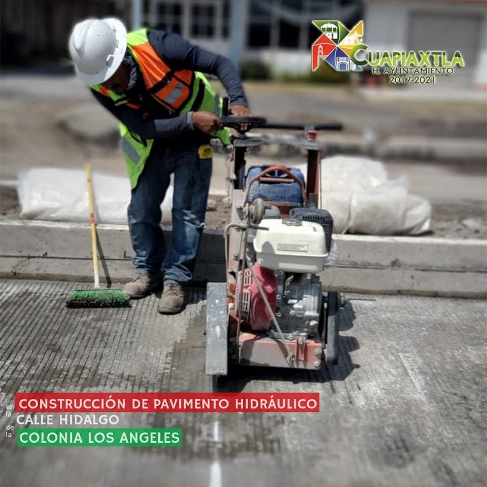 Obras Publicas mejoran la imagen urbana de Cuapiaxtla