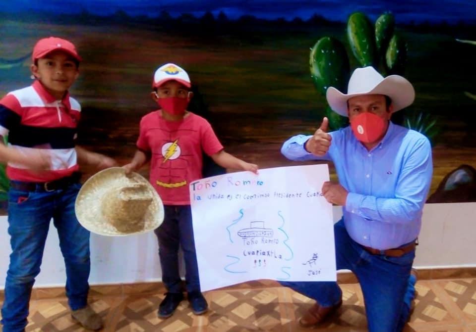 TOÑO ROMERO a días de cerrar su campaña, agradece dibujo que niño le obsequió