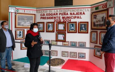"""Instalan Exposición Fotográfica del """"211 Aniversario De La  Independencia De México"""" en Calpulalpan"""