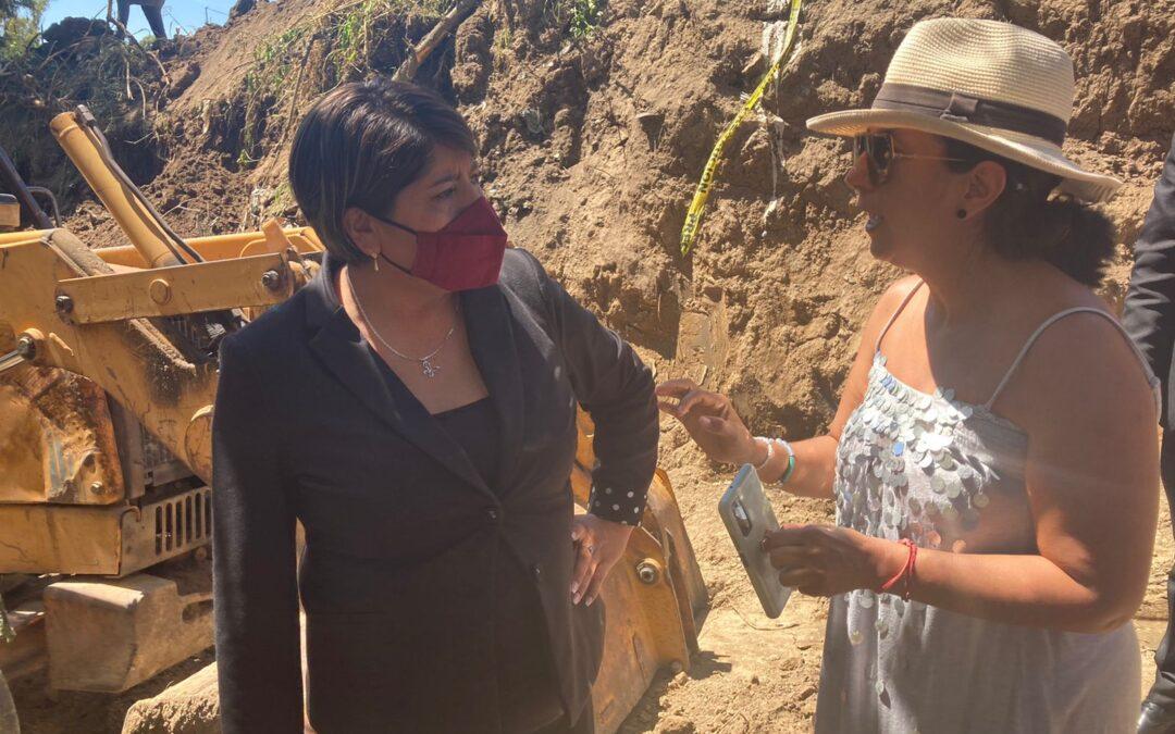 Continúan las acciones para el reestableciendo de agua en Fraccionamiento de Santa Elena.
